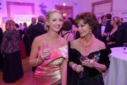 114. Zuckerbäckerball - Hofburg - Do 15.01.2015 - Cathy LUGNER, Edith LEYRER20