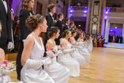 114. Zuckerbäckerball - Hofburg - Do 15.01.2015 - Balleröffnung, Debüdanten, Einzug, tanzen, Tanzpaare64