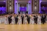 114. Zuckerbäckerball - Hofburg - Do 15.01.2015 - Balleröffnung, Debüdanten, Einzug, tanzen, Tanzpaare75