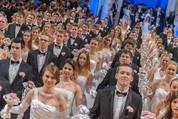114. Zuckerbäckerball - Hofburg - Do 15.01.2015 - Balleröffnung, Debüdanten, Einzug, tanzen, Tanzpaare80