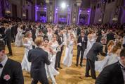 114. Zuckerbäckerball - Hofburg - Do 15.01.2015 - Balleröffnung, Debüdanten, Einzug, tanzen, Tanzpaare106