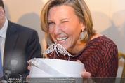 Opernball Pressekonferenz - Staatsoper - Di 20.01.2015 - Desiree TREICHL-ST�RGKH mit Kr�nchen Krone Diadem54
