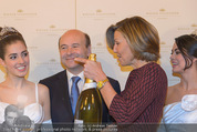 Opernball Pressekonferenz - Staatsoper - Di 20.01.2015 - Desiree TREICHL-ST�RGKH mit Deb�dantinnen, Dominique MEYER73