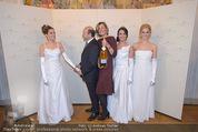 Opernball Pressekonferenz - Staatsoper - Di 20.01.2015 - Desiree TREICHL-ST�RGKH mit Deb�dantinnen, Dominique MEYER74