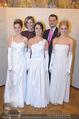 Opernball Pressekonferenz - Staatsoper - Di 20.01.2015 - Desiree TREICHL-ST�RGKH mit Deb�dantinnen, Roman SVABEK78