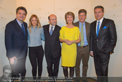 Opernball Pressekonferenz - Staatsoper - Di 20.01.2015 - Gruppenfoto Moderatoren mit Dominique MEYER90