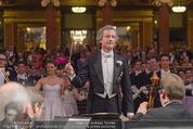 Philharmonikerball - Musikverein - Do 22.01.2015 - Franz WELSER-M�ST beim Dirigieren111