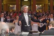 Philharmonikerball - Musikverein - Do 22.01.2015 - Franz WELSER-M�ST beim Dirigieren116