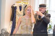 Lugner Ballkleid Anprobe - Popp & Kretschmer - Mo 02.02.2015 - Wilhelm H�LLERBRAND, Cathy LUGNER (Schmitz)30
