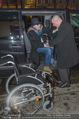 Helmuth Berger und Botox Boys - Le Meridien - Di 10.02.2015 - Helmuth BERGER Ankunft im Rollstuhl .11