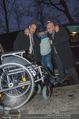 Helmuth Berger und Botox Boys - Le Meridien - Di 10.02.2015 - Helmuth BERGER Ankunft im Rollstuhl .13