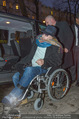 Helmuth Berger und Botox Boys - Le Meridien - Di 10.02.2015 - Helmuth BERGER Ankunft im Rollstuhl .15