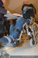Helmuth Berger und Botox Boys - Le Meridien - Di 10.02.2015 - Helmuth BERGER Ankunft im Rollstuhl (beim Autogramme geben)20