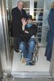 Helmuth Berger und Botox Boys - Le Meridien - Di 10.02.2015 - Helmuth BERGER Ankunft im Rollstuhl .23