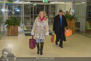 Elisabetta Canalis Abholung - Privatflug Mailand-Wien - Di 10.02.2015 - Richard und Cathy LUGNER1