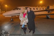 Elisabetta Canalis Abholung - Privatflug Mailand-Wien - Di 10.02.2015 - Richard und Cathy LUGNER25