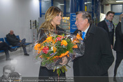 Elisabetta Canalis Abholung - Privatflug Mailand-Wien - Di 10.02.2015 - Richard LUGNER, Elisabetta CANALIS26