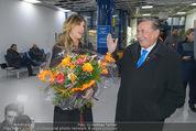 Elisabetta Canalis Abholung - Privatflug Mailand-Wien - Di 10.02.2015 - Richard LUGNER, Elisabetta CANALIS27