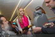 Elisabetta Canalis Abholung - Privatflug Mailand-Wien - Di 10.02.2015 - Cathy LUGNER41