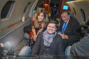 Elisabetta Canalis Abholung - Privatflug Mailand-Wien - Di 10.02.2015 - Elisabetta CANALIS, Titus (ATV), Richard LUGNER64