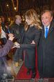 Elisabetta Canalis Abholung - Privatflug Mailand-Wien - Di 10.02.2015 - Elisabetta CANALIS, Richard LUGNER83