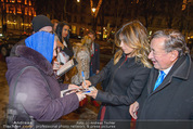 Elisabetta Canalis Abholung - Privatflug Mailand-Wien - Di 10.02.2015 - Elisabetta CANALIS gibt Autogramme, Richard LUGNER84