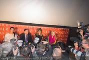 Elisabetta Canalis PK und Autogrammstunde - Lugner KinoCity - Mi 11.02.2015 - Elisabetta CANALIS, Richard LUGNER Medienrummel, Journalisten18