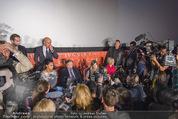 Elisabetta Canalis PK und Autogrammstunde - Lugner KinoCity - Mi 11.02.2015 - Elisabetta CANALIS, Richard LUGNER Medienrummel, Journalisten27