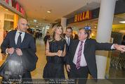 Elisabetta Canalis PK und Autogrammstunde - Lugner KinoCity - Mi 11.02.2015 - Elisabetta CANALIS, Richard LUGNER gehen durchs Einkaufszentrum38