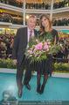 Elisabetta Canalis PK und Autogrammstunde - Lugner KinoCity - Mi 11.02.2015 - Elisabetta CANALIS, Richard LUGNER auf der B�hne55