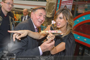 Elisabetta Canalis PK und Autogrammstunde - Lugner KinoCity - Mi 11.02.2015 - Elisabetta CANALIS und Richard LUGNER essen Giotto64