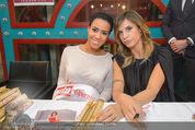 Elisabetta Canalis PK und Autogrammstunde - Lugner KinoCity - Mi 11.02.2015 - Elisabetta CANALIS mit Giotto, Opernballprinzessin Vanessa69