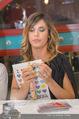 Elisabetta Canalis PK und Autogrammstunde - Lugner KinoCity - Mi 11.02.2015 - Elisabetta CANALIS mit �i love Vienna�Tafel78
