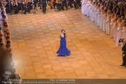 Opernball 2015 - Das Fest - Wiener Staatsoper - Do 12.02.2015 - Olga BEZSMERTNA bei der Er�ffnung56