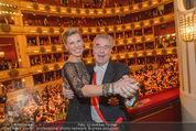 Opernball 2015 - Das Fest - Wiener Staatsoper - Do 12.02.2015 - Heinz FISCHER, Desiree TREICH-ST�RGKH tanzen in Loge94
