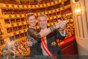 Opernball 2015 - Das Fest - Wiener Staatsoper - Do 12.02.2015 - Heinz FISCHER, Desiree TREICH-ST�RGKH tanzen in Loge97