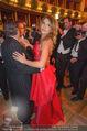 Opernball 2015 - Das Fest - Wiener Staatsoper - Do 12.02.2015 - Richard LUGNER tanzt mit Elisabetta CANALIS (tanzen, Tanzfl�che122