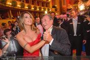 Opernball 2015 - Das Fest - Wiener Staatsoper - Do 12.02.2015 - Richard LUGNER tanzt mit Elisabetta CANALIS (tanzen, Tanzfl�che124