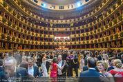 Opernball 2015 - Das Fest - Wiener Staatsoper - Do 12.02.2015 - Ballsaal, volle Tanzfl�che, Publikum138