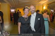 Opernball 2015 - Das Fest - Wiener Staatsoper - Do 12.02.2015 - Berit STICKLER, Elise MOUGIN155