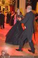 Opernball 2015 - Das Fest - Wiener Staatsoper - Do 12.02.2015 - Desiree TREICHL-ST�RKGH tanz ausgelassen mit Roberto LHOTKA212