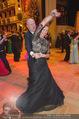 Opernball 2015 - Das Fest - Wiener Staatsoper - Do 12.02.2015 - Desiree TREICHL-ST�RKGH tanz ausgelassen mit Roberto LHOTKA213