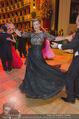 Opernball 2015 - Das Fest - Wiener Staatsoper - Do 12.02.2015 - Desiree TREICHL-ST�RKGH tanz ausgelassen mit Roberto LHOTKA214