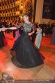 Opernball 2015 - Das Fest - Wiener Staatsoper - Do 12.02.2015 - Desiree TREICHL-ST�RKGH tanz ausgelassen mit Roberto LHOTKA221