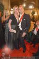Opernball 2015 - Feststiege - Wiener Staatsoper - Do 12.02.2015 - Mario-Max SCHAUMBURG-LIPPE mit Studienkollegin102