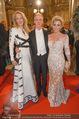 Opernball 2015 - Feststiege - Wiener Staatsoper - Do 12.02.2015 - Eva DICHAND, Georg STUMPF, Patricia SCHALKO110