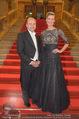 Opernball 2015 - Feststiege - Wiener Staatsoper - Do 12.02.2015 - Desiree TREICHL-ST�RKGH, Dominique MEYER12