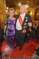 Opernball 2015 - Feststiege - Wiener Staatsoper - Do 12.02.2015 - Michael H�UPL mit Ehefrau Barbara (H�rnlein)120