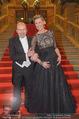 Opernball 2015 - Feststiege - Wiener Staatsoper - Do 12.02.2015 - Desiree TREICHL-ST�RKGH, Dominique MEYER14