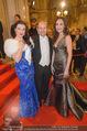 Opernball 2015 - Feststiege - Wiener Staatsoper - Do 12.02.2015 - Olga BEZSMERTNA, Aida GARIFULLINA, Dominique MEYER26